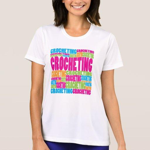 El Crocheting colorido Camiseta