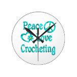 El Crocheting del amor de la paz Relojes