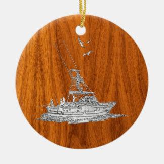 El cromo tiene gusto del barco de pesca en la adorno navideño redondo de cerámica