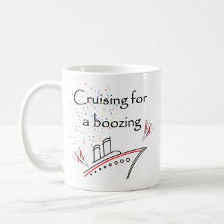 El cruzar para emborrachar taza