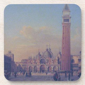 El cuadrado de St Mark en Venecia con militares Posavaso