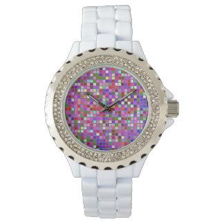 El cuadrado multicolor macizo rosado teja el relojes de mano