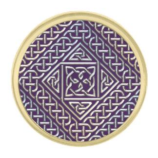 El cuadrado púrpura de plata forma el modelo de insignia dorada