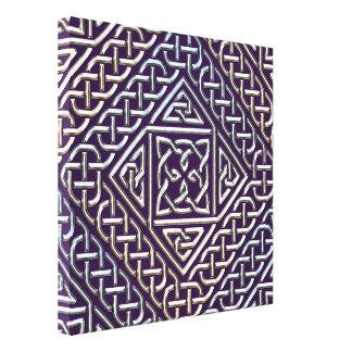 El cuadrado púrpura de plata forma el modelo de lienzo envuelto para galerías