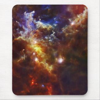 El cuarto de niños estelar de la nebulosa del alfombrillas de ratones