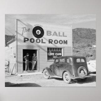 El cuarto de piscina de ocho bolas, 1940. Foto del Póster