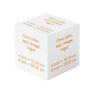 El cubo de la foto posee el color - uni blanco