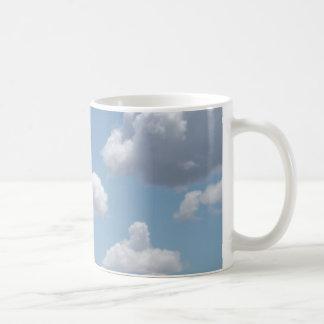 El cuento de hadas se nubla la taza
