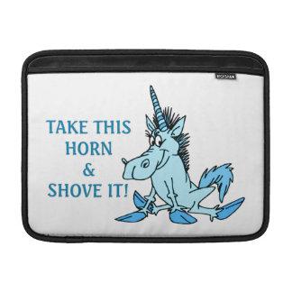 El cuerno del unicornio lo empuja fundas macbook air