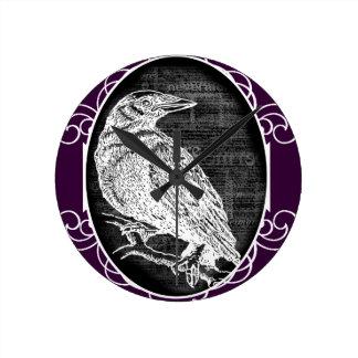 """""""El cuervo"""" inspiró diseño gráfico Reloj Redondo Mediano"""
