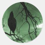El cuervo - nunca más árbol de los rayos de sol - pegatina redonda