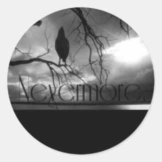 El cuervo - nunca más rayos de sol y árbol B&W Pegatina Redonda
