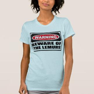 El cuidado SE GUARDA de la camiseta de las mujeres