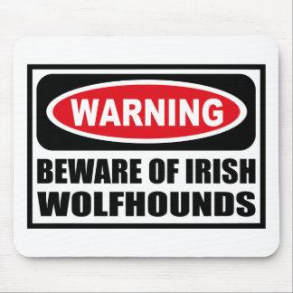 El cuidado SE GUARDA de los WOLFHOUNDS IRLANDESES  Alfombrillas De Ratones