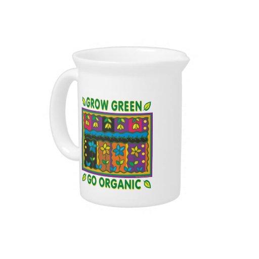 El cultivar un huerto orgánico jarrones