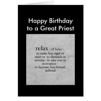 El cumpleaños a una gran definición del sacerdote tarjeta de felicitación