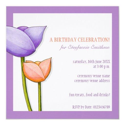 El cumpleaños anaranjado púrpura de las flores invitación 13,3 cm x 13,3cm