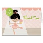 El cumpleaños asiático de la bailarina le agradece felicitacion