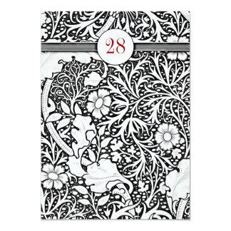el cumpleaños blanco y negro hermoso del damasco invitación 12,7 x 17,8 cm