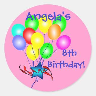 El cumpleaños colorido hincha a los pegatinas pegatina redonda