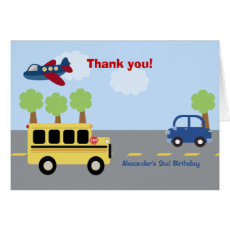 El cumpleaños de la ciudad del autobús escolar le tarjeta pequeña