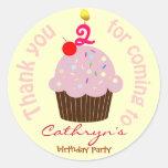 El cumpleaños de los niños le agradece los pegatinas redondas