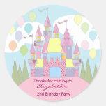 El cumpleaños de los niños le agradece los etiquetas redondas