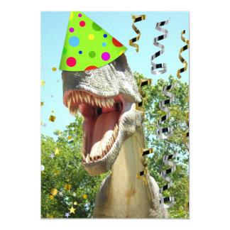 """El cumpleaños de T-Rex del dinosaurio invita Invitación 5"""" X 7"""""""