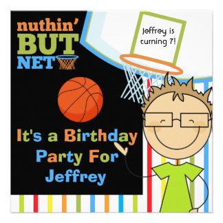 El cumpleaños del baloncesto del muchacho del pelo comunicados personales