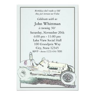 El cumpleaños del coche de raza del vintage invita invitaciones personalizada