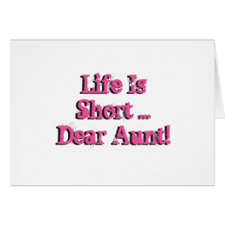El cumpleaños divertido desea para la tía, rosa en tarjeta de felicitación