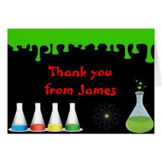 El cumpleaños enojado del científico de la ciencia tarjeta