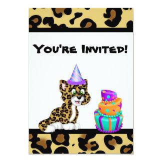 """El cumpleaños lindo del leopardo del estampado de invitación 5"""" x 7"""""""