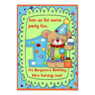 El cumpleaños lindo del oso invita a la edad 1 invitación 12,7 x 17,8 cm