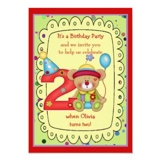 El cumpleaños lindo del oso invita a la edad 2 invitación 12,7 x 17,8 cm