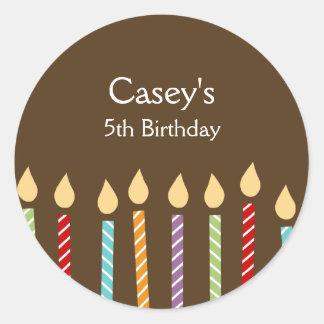El cumpleaños mira al trasluz a los pegatinas del etiqueta redonda