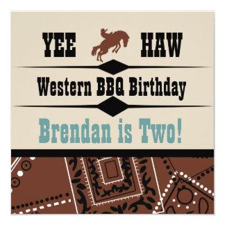 """El cumpleaños occidental del vaquero de la vaquera invitación 5.25"""" x 5.25"""""""