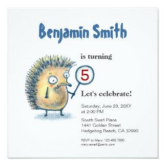 """El cumpleaños personalizado erizo sonriente de los invitación 5.25"""" x 5.25"""""""