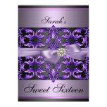 El cumpleaños púrpura/negro del damasco y del arco comunicados