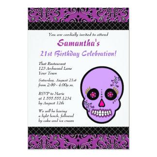 """El cumpleaños púrpura y negro del cráneo del invitación 5"""" x 7"""""""