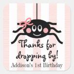 El cumpleaños rosado de la araña le agradece los p calcomania cuadradas personalizadas