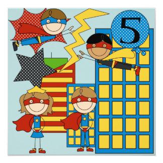 """El cumpleaños trigueno de encargo del superhéroe invitación 5.25"""" x 5.25"""""""