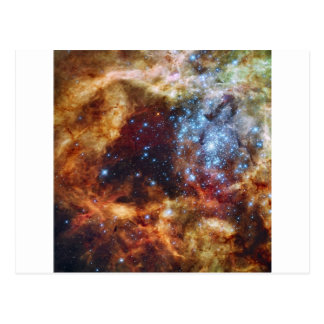 El cúmulo de estrellas R136 estalla hacia fuera la Postales