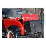 el cupé rojo 1 del vintage - modifique cualquier tarjeta de felicitación