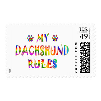 El Dachshund gobierna la diversión Franqueo