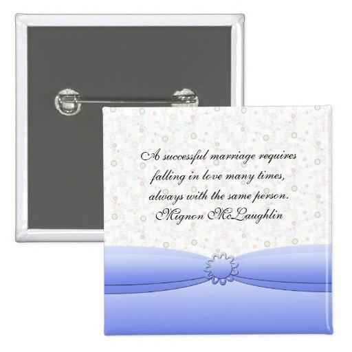 El damasco azul de lujo de la flor cita el botón pin