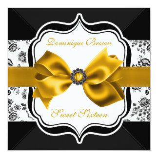 """El damasco floral invita con el arco del oro invitación 5.25"""" x 5.25"""""""