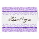 El damasco púrpura pálido del cordón le agradece c tarjetas