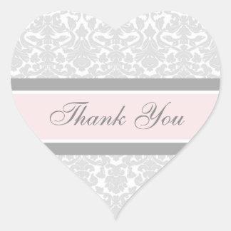 El damasco rosado le agradece los sellos del sobre pegatina en forma de corazón