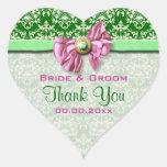 """El damasco verde rosado elegante """"le agradece """" calcomanía de corazón personalizadas"""